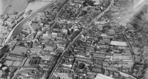 The High Street and town centre, Stone, 1929 http://www.britainfromabove.org.uk/image/epw026981